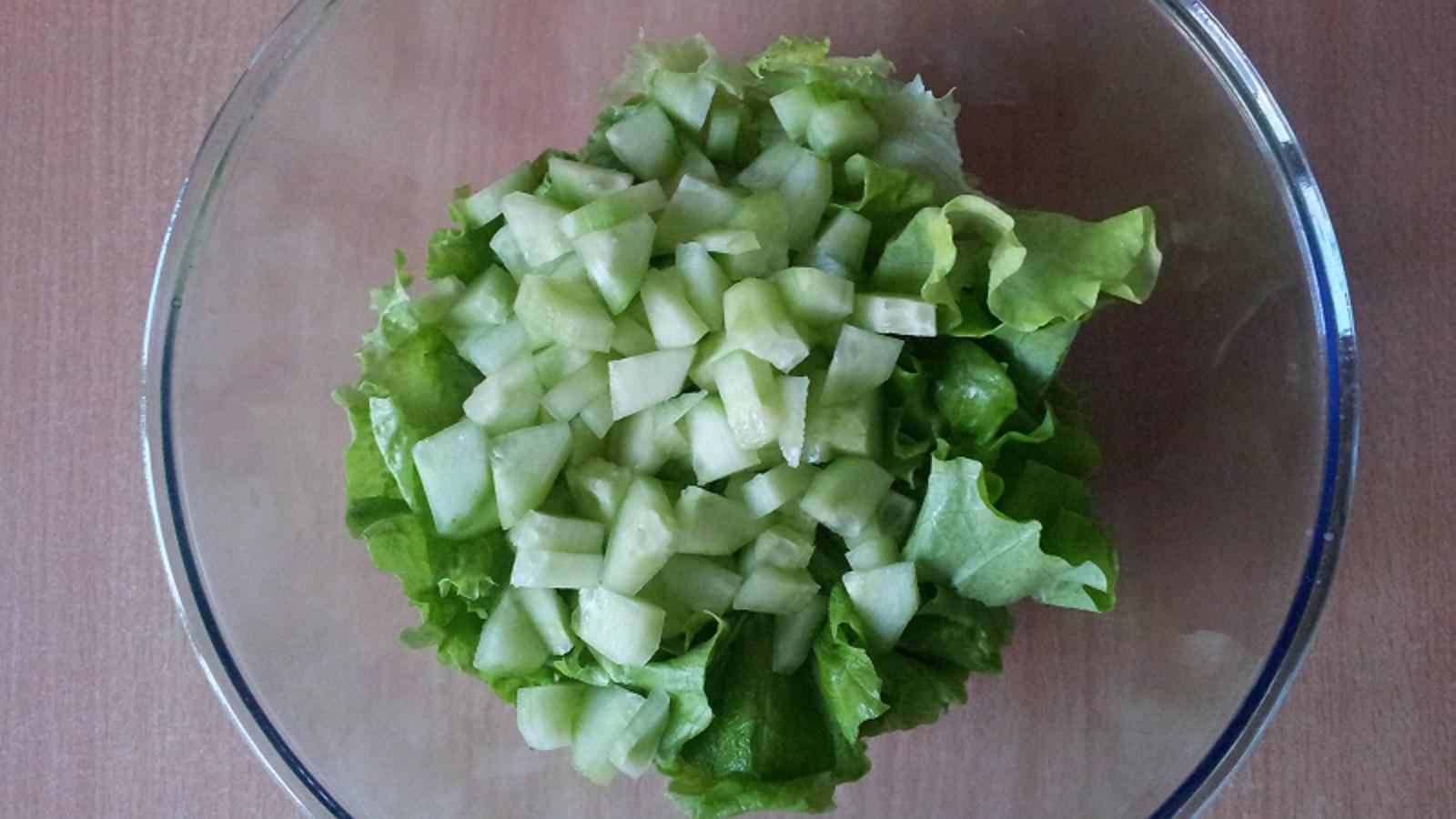 Салат с карбонатом и огурцом и сыром рецепт пошагово